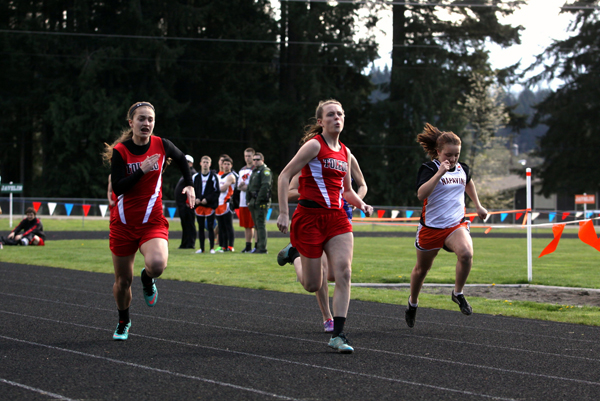 Toledo runners place at White Pass meet