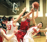 Rockets Advance Past Rainier in District IV Tournament