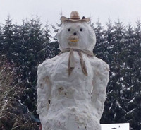 Toledo family constructs 14-foot snowman