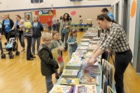 Toledo PTO lauded for success of Family Reading Night
