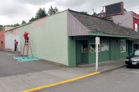Volunters give Winlock buildings a fresh coat