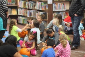 Pumpkin carving at Raymond Library