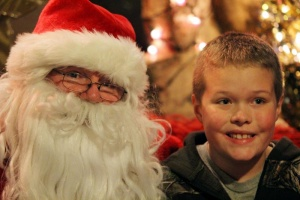 Lighted Boat Parade brings in Santa