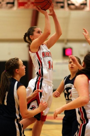 Lady Seagulls drive past Navigators
