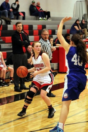 Lady Seagulls fly over Eagles