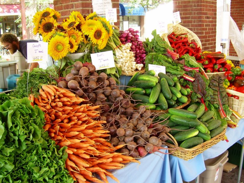 Community Farmers Market celebrates National Farmers Market Week