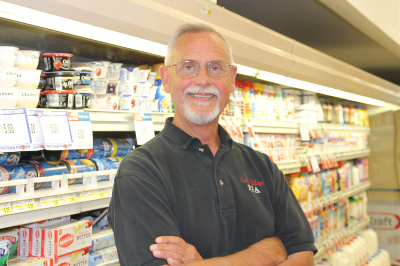 Paul Malarz retires from IGA Cedar Village