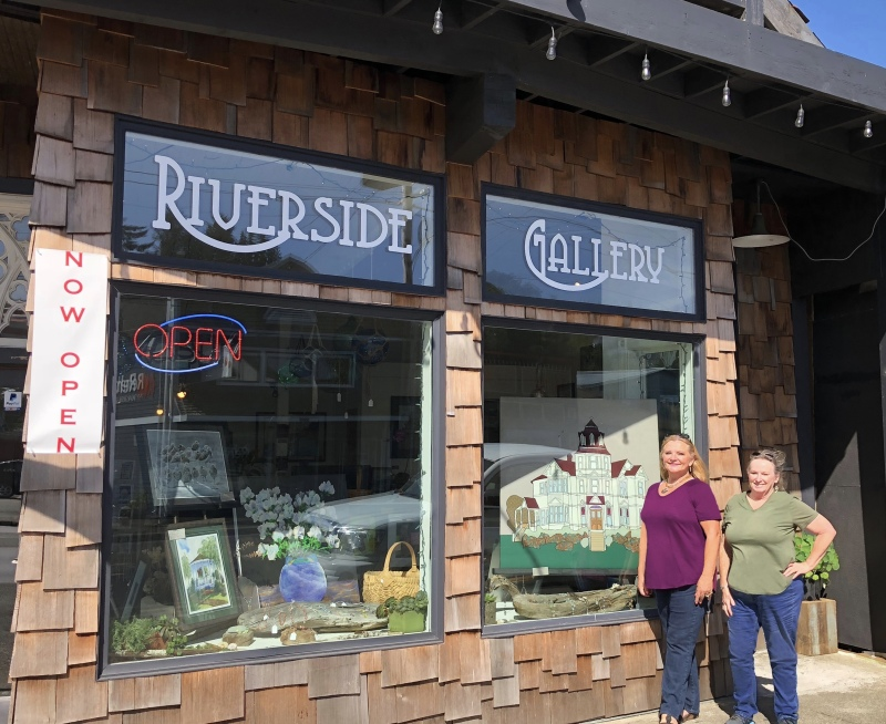 Riverside Gallery now open