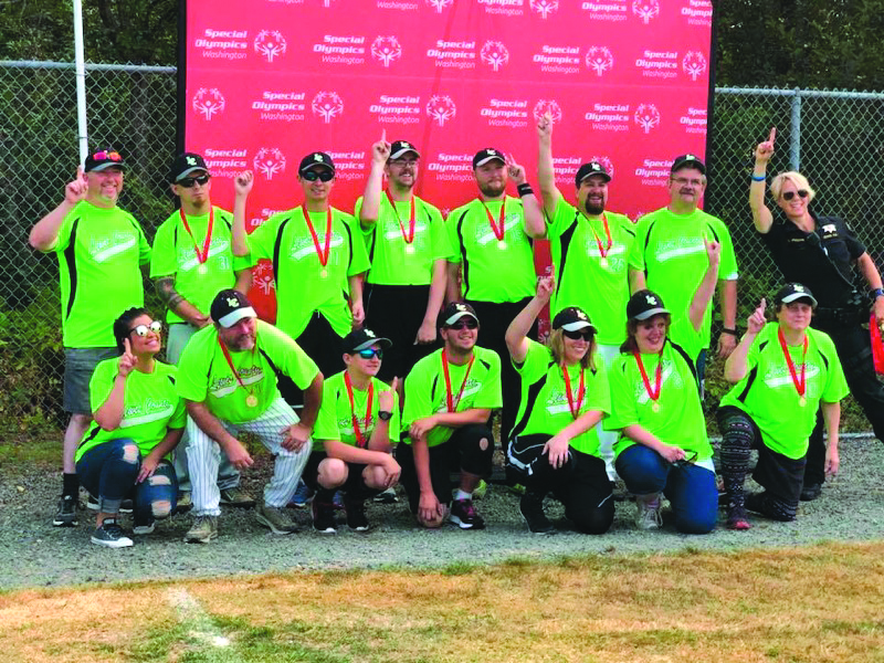 Lewis County Mariners take first in state