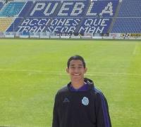 Garibay tries foot in international soccer