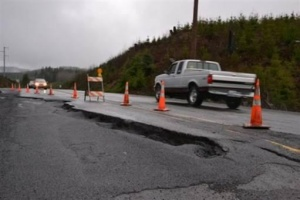 US 101 reduced to one lane at Rock Crusher Hill