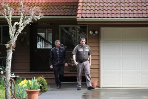 Two arrested after daylight burglary
