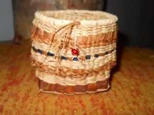 Learn basic basket-weaving with Val Rowe