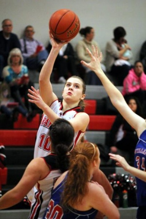 Lady Seagulls win buzzer-beater over Vikes