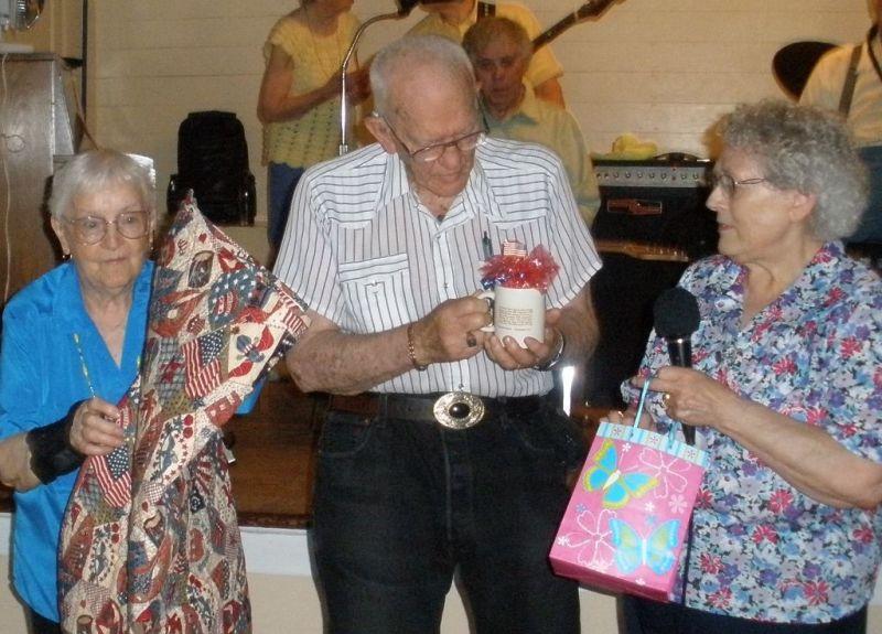 Veteran recalls memories of Iwo Jima, Guam and World War II